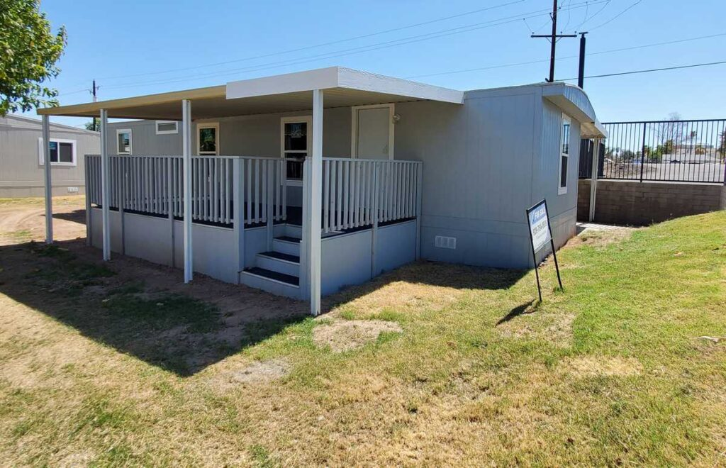 Space F-1 – $55,000 – 2 Bed, 1 Bath – Mild Fixer! Make this home your own