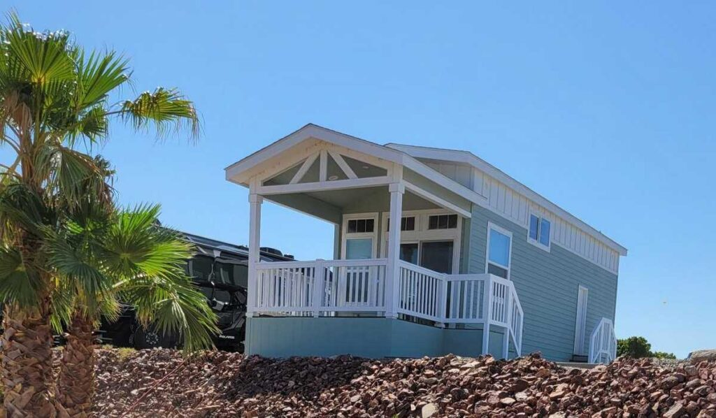 Space R-4 – $179,900 – Riverfront Home – Coming Soon!